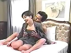 Short-haired brunette milf gets fucked in many poses in homemade clip