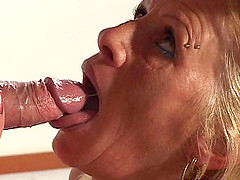 Tattooed mature dame yells when throbbed doggystyle