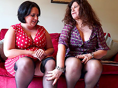 Mature BBW lesbians Gilly and Sarah Jane pussy licking