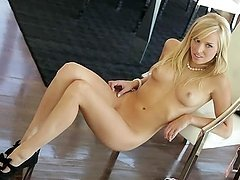 Hollie Rochelle the hot blonde in high heels poses on cam