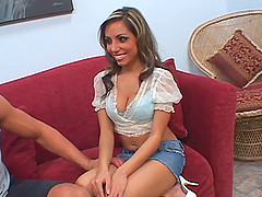 Pornstar in high heels yelling as her juicy pussy is penetrated hardcore in reality shoot