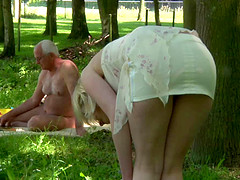 She found a naked man to enjoy suck and lick in garden