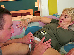 Loose cunt granny fucked by the thick cock that cums