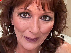 Closeup shoot of amateur mature dame pussy getting licked