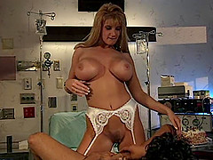Ravishing Brittany Andrews has her face and coochie smashed