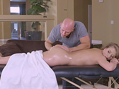 Tempting Harley Jade always allows the masseur to drill her hard