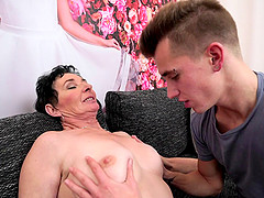 Mature woman seduces a hot boy for an amazing shag