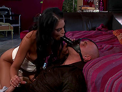 Foxy Defrancesca Gallardo enjoys having her muff licked and dicked