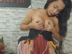Sexy Shemale Sucks her Own Huge Dick