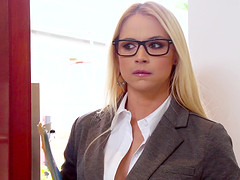 Having just one secretary Sarah Vandella means the bosses have to share