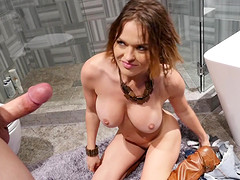 Avery Stone bends over for insatiable lady Krissy Lynn