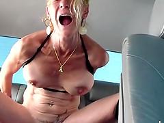 postarshe-spb-s-predmetami-v-anale-kiski-zhenskie-seks