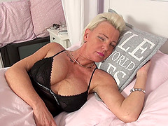 Mature short haired busty blonde slut Jill pounded on the bed