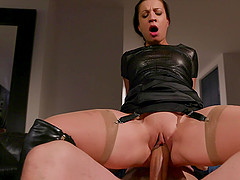 Kinky mature brunette in leather Teressa Bizarre gets a hardcore fuck
