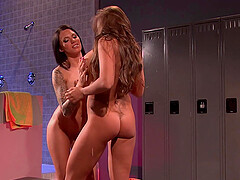 Soapy mature lesbian bombshells Nika Noire and Juelz Ventura