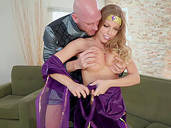 Role play fuck and a facial for blonde queen Britney Amber