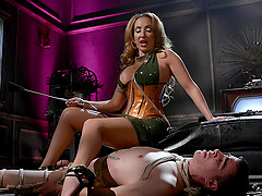Dominant bombshell MILF Richelle Ryan pegs her man with a strap on