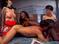 Arabelle Raphael and two more girls want to please dude's penis