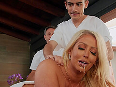 Busty Alura TNT Jenson sucked a fat masseur's cock before amazing fuck