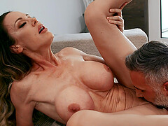 McKenzie Lee spreads her legs for a hard shaft while she screams