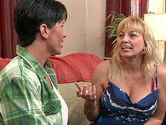 Mature friends Cindy Craves and Shay Fox fulfilling their desires